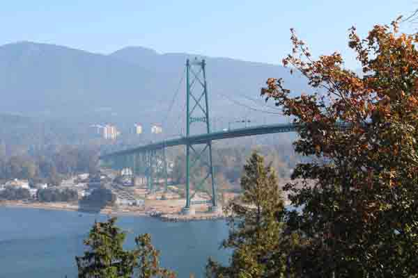 Lion's Gate bridge